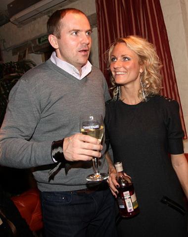 Беременная Катя Гордон выходит замуж за бывшего мужа